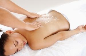 Peeling corporal con tratamiento algas marinas + hidratación + masaje corporal