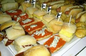 Catering 144 piezas para 10 y 12 personas, salado y dulce